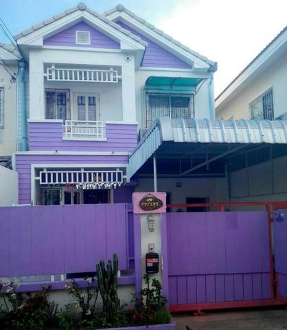 ขายบ้านทาวน์เฮ้าส์ใกล้ถุนนพระราม2 หมู่บ้านวิเศษสุขนคร 43 ตรว.ราคาถูก