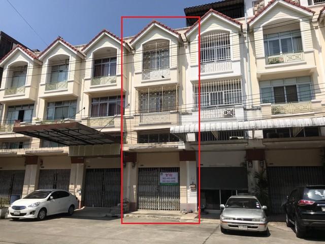 ขายอาคารพาณิชย์3.5 ชั้น 1คูหา 25 ตรว.  หมู่บ้านทรัพย์รุ่งเรือง ซอย ประชาอุทิศ 33 แยก 10 2.85 ลบ.