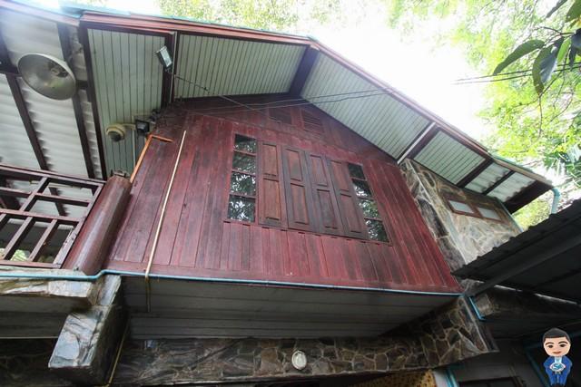 บ้านไม้สวย 2 ชั้น สไตล์คลาสสิคติดแม่น้ำคลองพระสะทึง จ.สระแก้ว