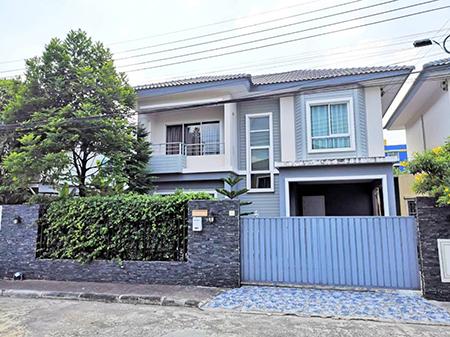 ขายบ้าน หมู่บ้าน ซีนเนอรี่(ดอนเมือง)แจ้งวัฒนะ-สรงประภา(พฤกษาวิลเลจ 36 ) เนื้อที่ 38 ตร.วา 3 ห้องนอน 2 ห้องน้ำ  โทร. 084-4215200