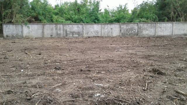 ขายด่วนที่ดินจัดสรร ราคาถูก คุ้มค่า ซอย 2 หมู่บ้าน ฮันนี่ วิลลา 180.6 ตารางวา ตารางวาละ 55,000 บาท
