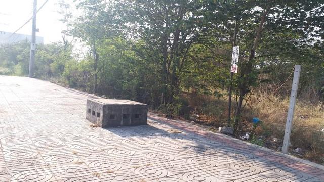 ขายที่ดินติดถนนพระราม2 เนื้อที่ 2ไร่ ใกล้ห้างเซ็นทรัลมหาชัย 400 เมตร