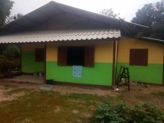 ขายบ้านสวน พร้อมที่ดิน 140 ตรว บ้านปงถ้ำ อ.วังเหนือ จ.ลำปาง บ้านปูน 1ชั้น 3นอน 1น้ำ