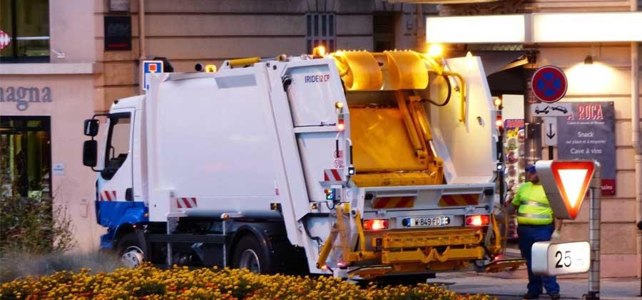 กําจัดขยะติดเชื้อ จัดเก็บ ขนส่ง ขนขยะติดเชื้อ และ กำจัดมูลฝอยติดเชื้อ