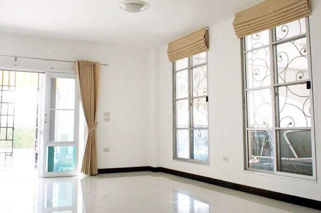 HR 1784  ให้เช่าโฮมออฟฟิศ 3 ชั้นครึ่ง บ้านกลางเมืองโยธินพัฒนา ประดิษฐ์มนูธรรม 19