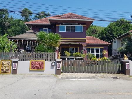ขายบ้านเดี่ยว 2 ชั้น  สัตหีบ  ราคาถูก  ติดถนนสุขุมวิท หมู่บ้านเอกธานี 1 พื้นที่ 101 ตร.วา