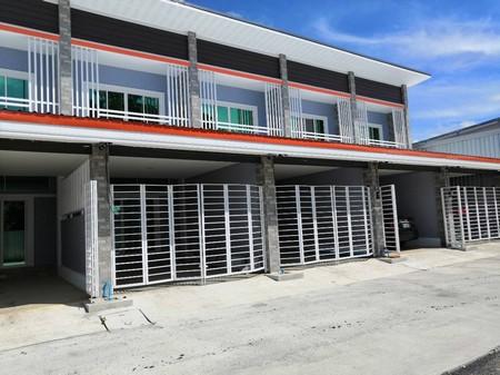 ขายทาวน์โฮมสร้างใหม่ 2 คูหาติดกัน 2 ชั้น ขนาดพื้นที่ 40 ตรว ใกล้บ่อสร้างสันกำแพง จังหวัดเชียงใหม่