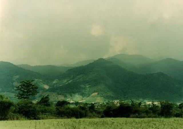 ขายที่ 383 ติดแม่น้ำอิง ติดทิวเขา ฮวงจุ้ยอย่างดี หน้าน้ำหลังเขา เป็นรูปมังกร เชียงราย