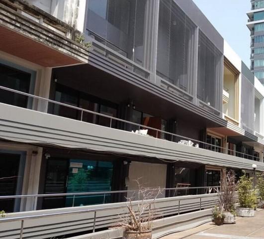 ขายด่วนมาก ตึก 3 ห้อง ออฟฟิต 3 คูหา ราคขายพิเศษเพียง 50 ล้านบาทเท่านั้น ขายพร้อมผู้เช่าคะ