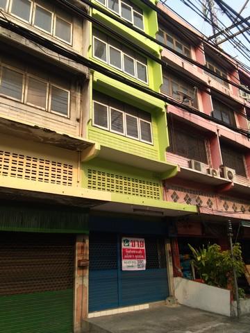 ขายตึกแถว 4 ชั้น 18 ตรว ติดถนนสุขสวัสดิ์ สภาพดี ราคาถูก