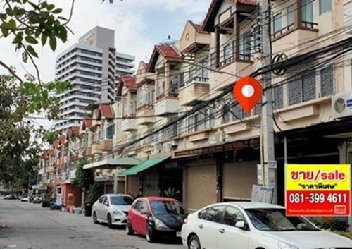 ขาย อาคารพาณิชย์ 2 คูหา หมู่บ้านรัตนากร พัทยากลาง 38 ตรว.