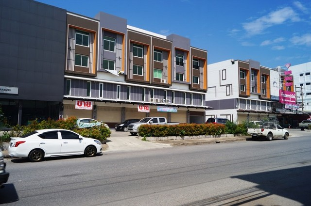 ขายอาคารพาณิชย์ 3.5 ชั้น โมเดิร์น เฮ้าส์ กลางเมืองสระบุรี ถนนสุดบรรทัด 13 (เยื้องห้างสุขอนันต์)