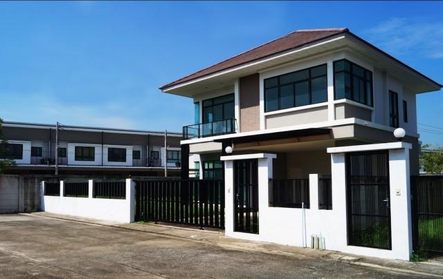 ขายบ้านเดี่ยวสไตล์โมเดิร์น 2 ชั้น กลางเมืองสระบุรี โครงการ จรูญรัตน์ เรนทรี
