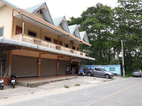 อาคารพาณิชย์ 2 คูหา 2 ชั้น ถนนตะเคียนเตี้ย อำเภอบางละมุง จ.ชลบุรี เนื้อที่ 33 ตรว.