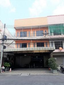 ขายอาคารพาณิชย์น่าอยู่ 3 ชั้น35 ตรวา ตลาดบ้านสิรัชชา ดอนหัวฬ่อ เมืองชลบุรี ใกล้นิคมอมตะนคร