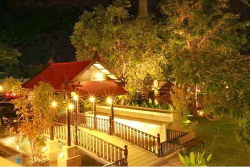 ขายธุรกิจร้านอาหารหรูติดแม่น้ำท่าจีน โฉนด 1-3-76 ไร่ พร้อม เมืองสุพรรณบุรี