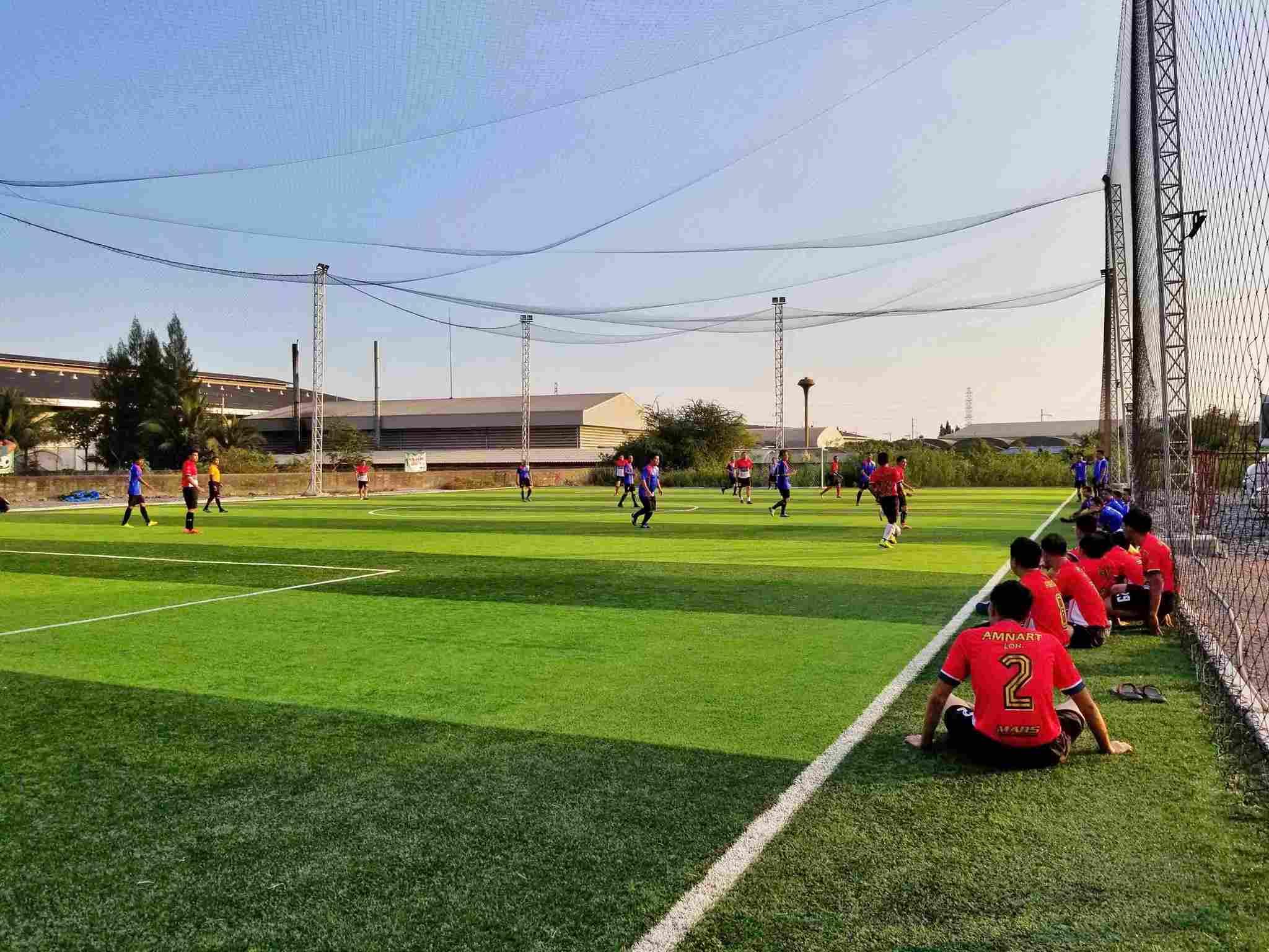 เซ้ง‼️ สนามฟุตบอล หญ้าเทียม 7 คน สมุทรสาคร ย่านโรงงาน