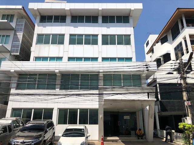 ให้เช่า อาคารสำนักงาน 4 ชั้น 94ตรว ถนนศรีวรา ติดโรงแรมทาวน์อินทาวน์ เรียบด่วนเอกมัย สภาพดีมาก