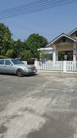 ขายบ้านเดี่ยว หมู่บ้านธรินภรณ์ ติดถนนเชียงใหม่ฝาง บรรยากาศสดชื่น เนื้อที่ 91 ตร.วา