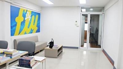 ให้เช่าอาคารพาณิชย์ 5 ชั้น ติดถนนรัชดา ใกล้ MRT ลาดพร้าว ทำเลดี