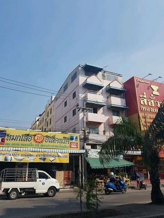 ขายตึกแถว 5 ชั้น 2 คูหา ย่านนิคมนวนครติดตลาดไทยธานีพร้อมผู้เช่า รายได้  4 หมื่นบาทต่อเดือน